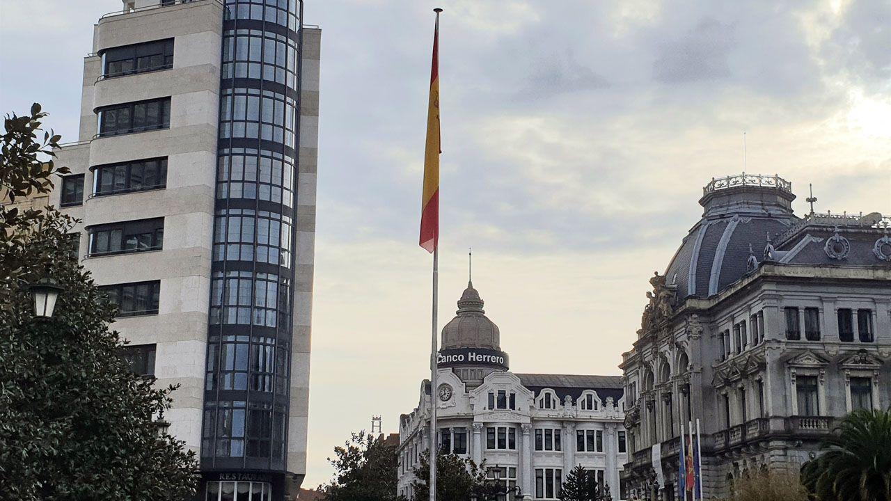 La macrobandera de Oviedo