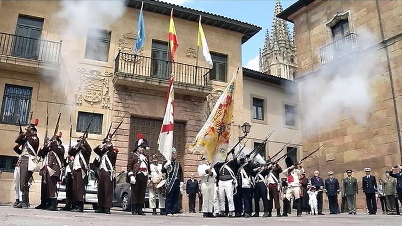 alumnos, estudiantes, universitarios.Conmemoración del 25 de mayo en Asturias