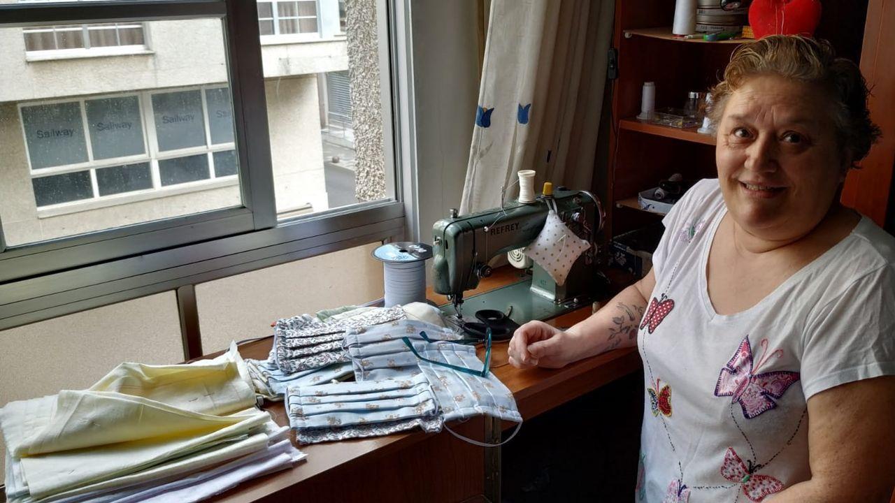 La Voz entra en el laboratorio que analiza la ropa y los cosméticos de grandes marcas.Esta imagen de Deborah Fernández Cervera sirvió para la campaña Justicia para Deborah