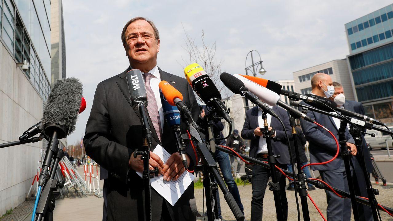 Armin Laschet hace declaraciones a los periodistas ante la sede de la CDU