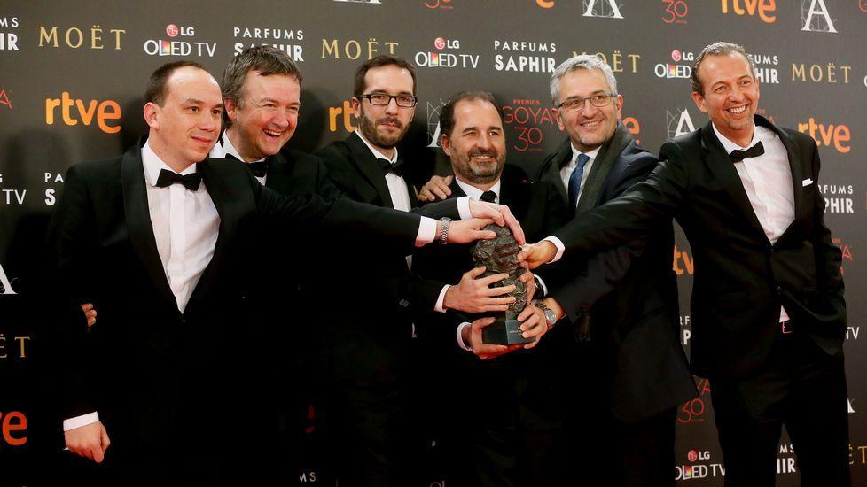 Integrantes del equipo que ha creado la cinta de animación «Atrapa la bandera», tras recibir el Goya a la Mejor película de animación