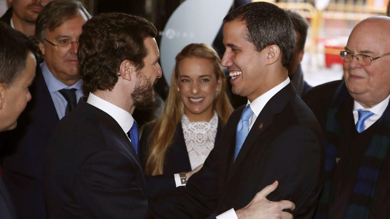 Fractura en el Gobierno de coalición a cuenta de la ley de libertad sexual.Ante la ausencia de Sánchez, la ministra de Exteriores recibió a Guaidó en la Casa América