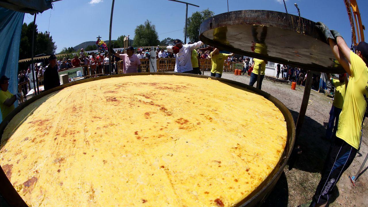 Carcacía le echó(8.000) huevos a su tortilla gigante