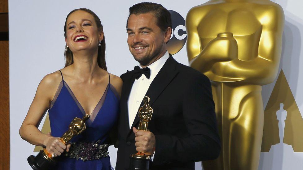 La mejor actriz, Brie Larson, y el mejor actor, Leonardo di Caprio.
