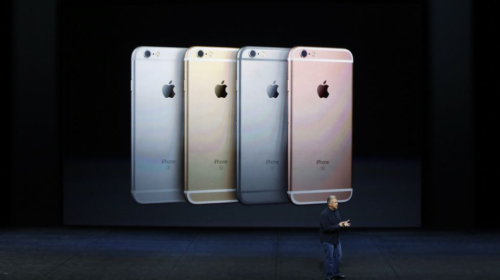Tim Cook presenta los nuevos iPhone6s y 6s Plus.