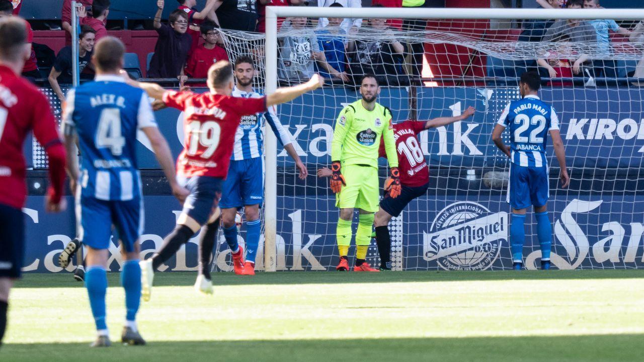 Gol Ibra Ibrahima Balde Folch Saul Berjon Barcenas Alanis Real Oviedo Las Palmas Carlos Tartiere.Futbolistas azules celebran el gol de Ibra frente a Las Palmas
