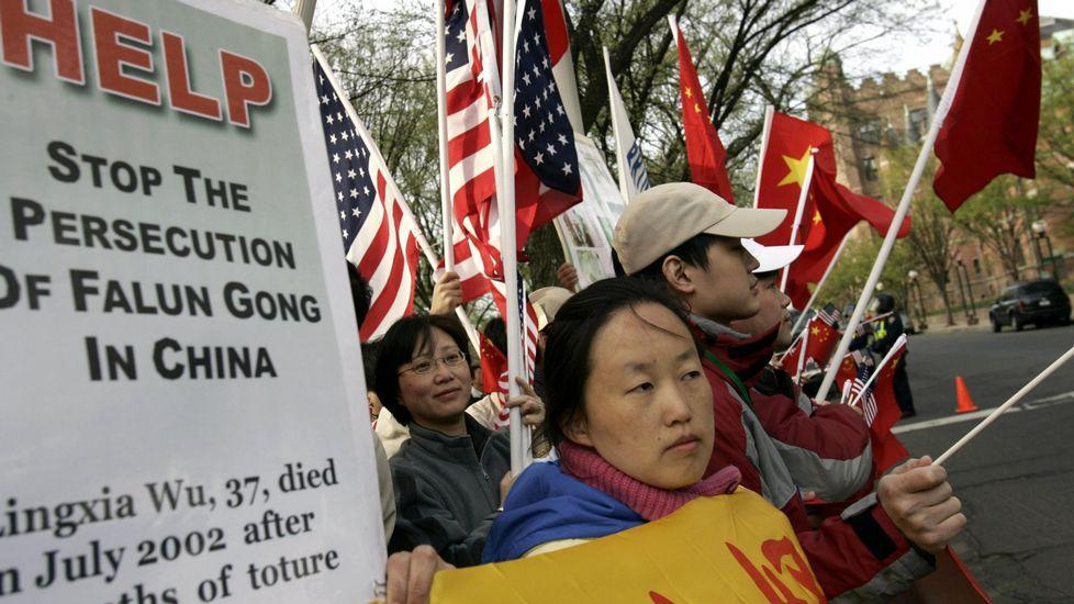 Un enfrentamiento que viene de lejos.Miembros del movimiento Falun Gong