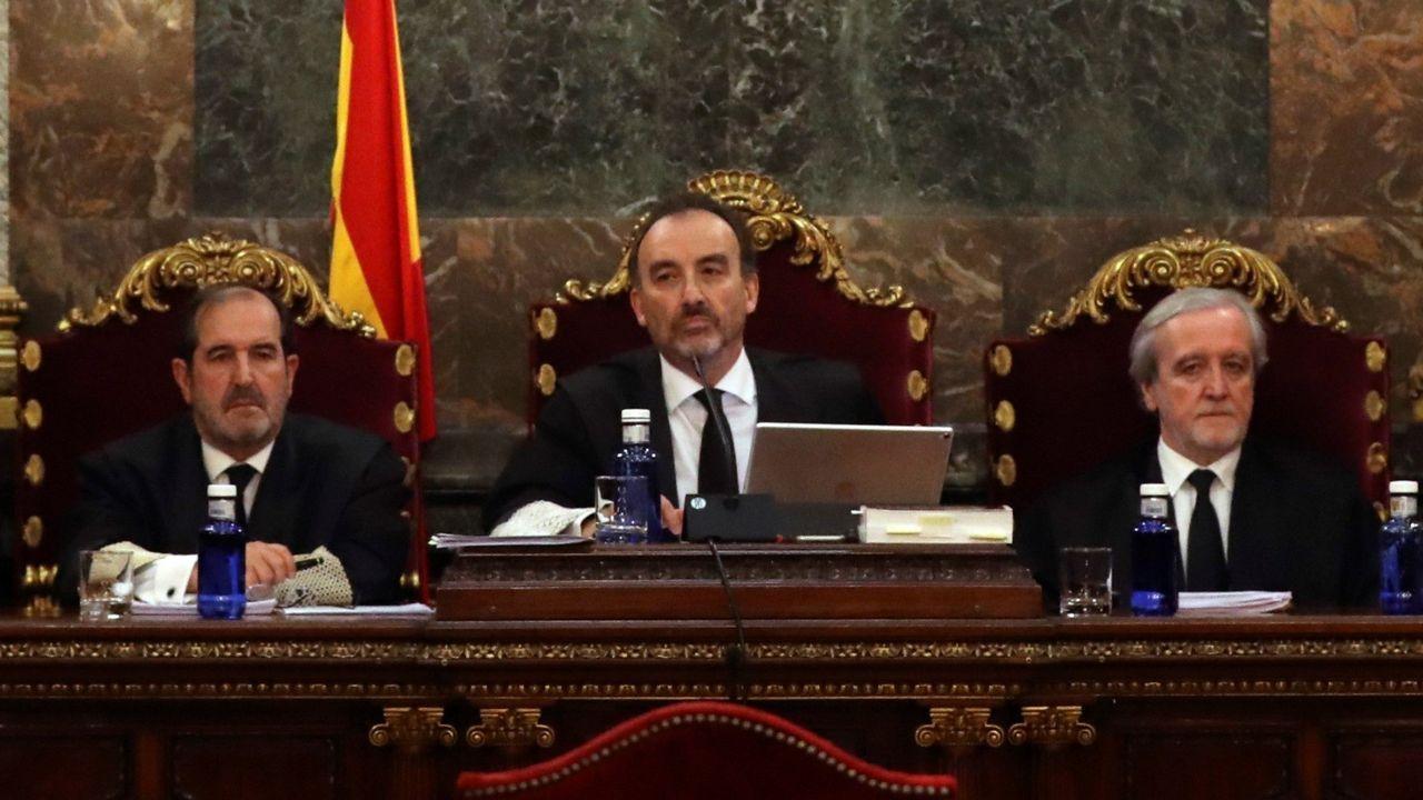 Marchena, en el centro, presidiendo una de las sesiones del juicio del 1-O