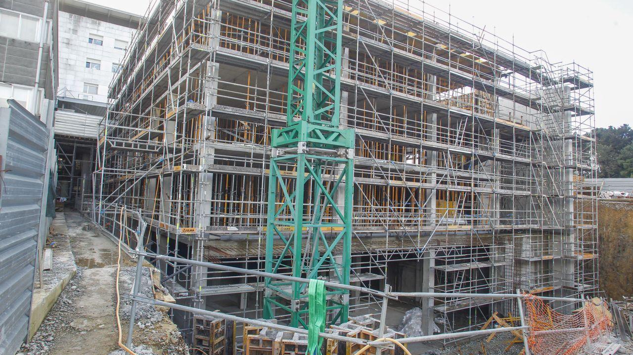 La estructura del primero de los dos nuevos edificios del CHUF