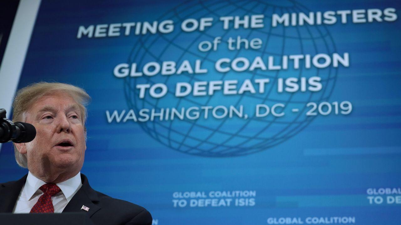 Donald Trump durante la reunión de Ministros de Relaciones Exteriores de la Coalición Internacional Contra el Estado Islámico celebrada en Washington