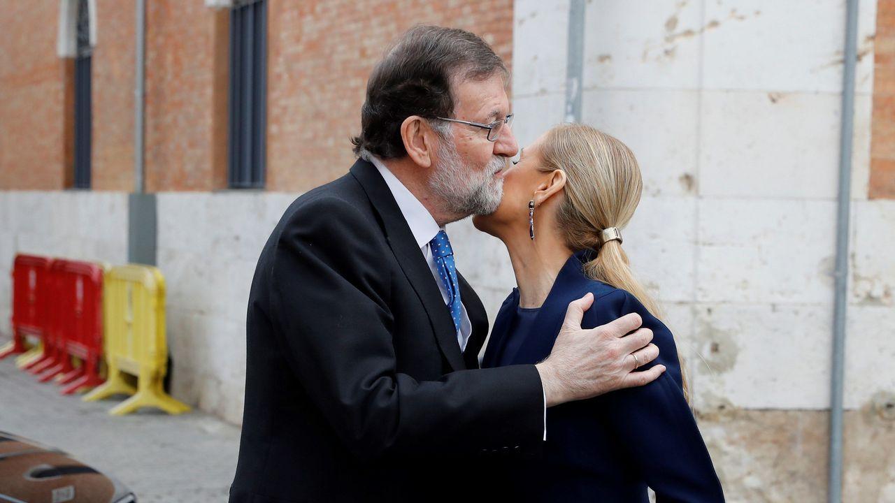 Rajoy y Cifuentes se saludan en Alcalá de Henares