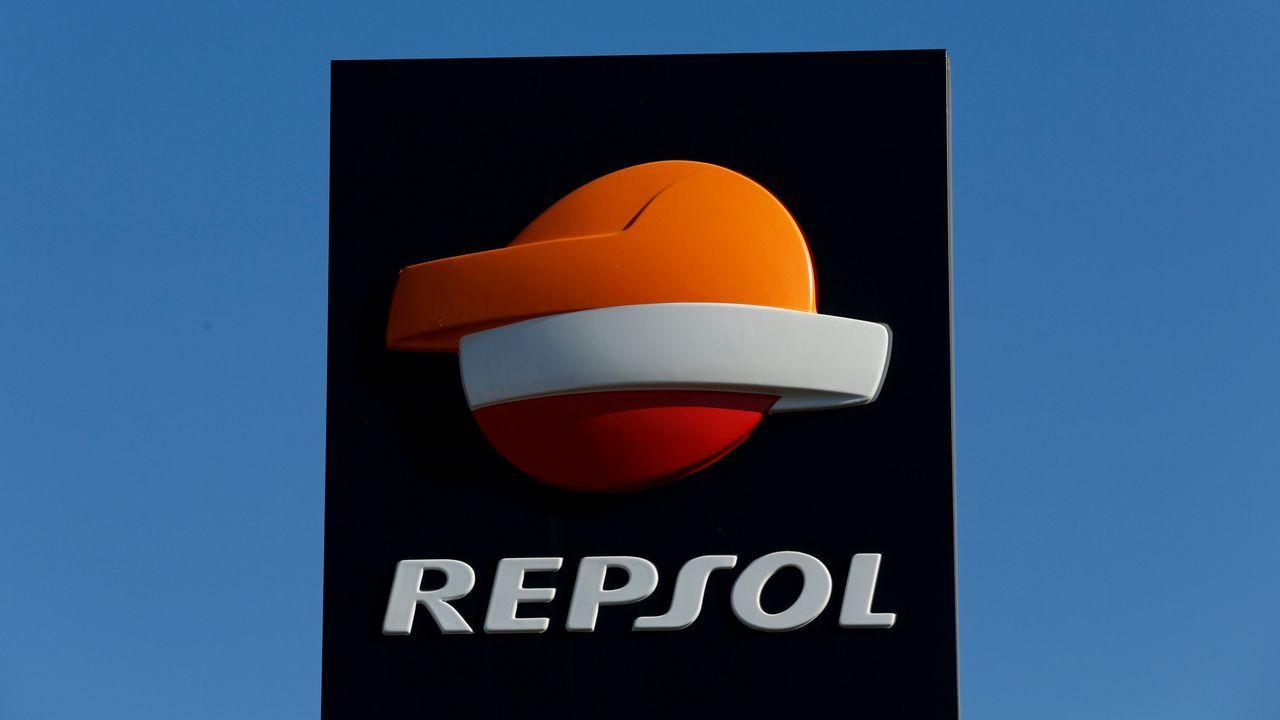 La gasolinera de Repsol en el casco urbano de Ribadeo, una donde se podrán aplicar los descuentos.