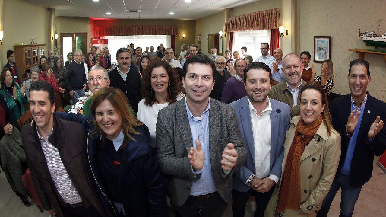 La normalidad del 10N en Santiago.Ada Colau (En Comú) gobierna el Ayuntamiento de Barcelona en coalición con Jaume Collboni (PSC)