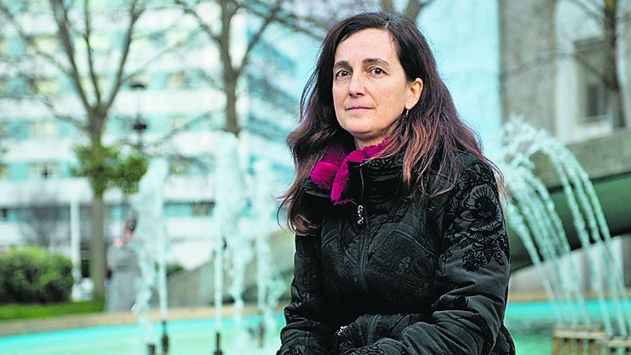 Visita de Feijoo a Vimianzo y Buño.Coral Rodríguez Fouz era sobrina y ahijada de Humberto, uno de los asesinados