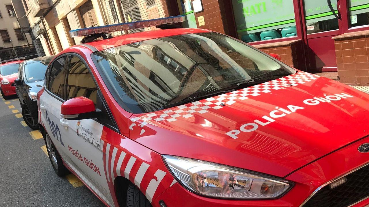 Coches de Policía Local de Gijón.A Volta do Agro