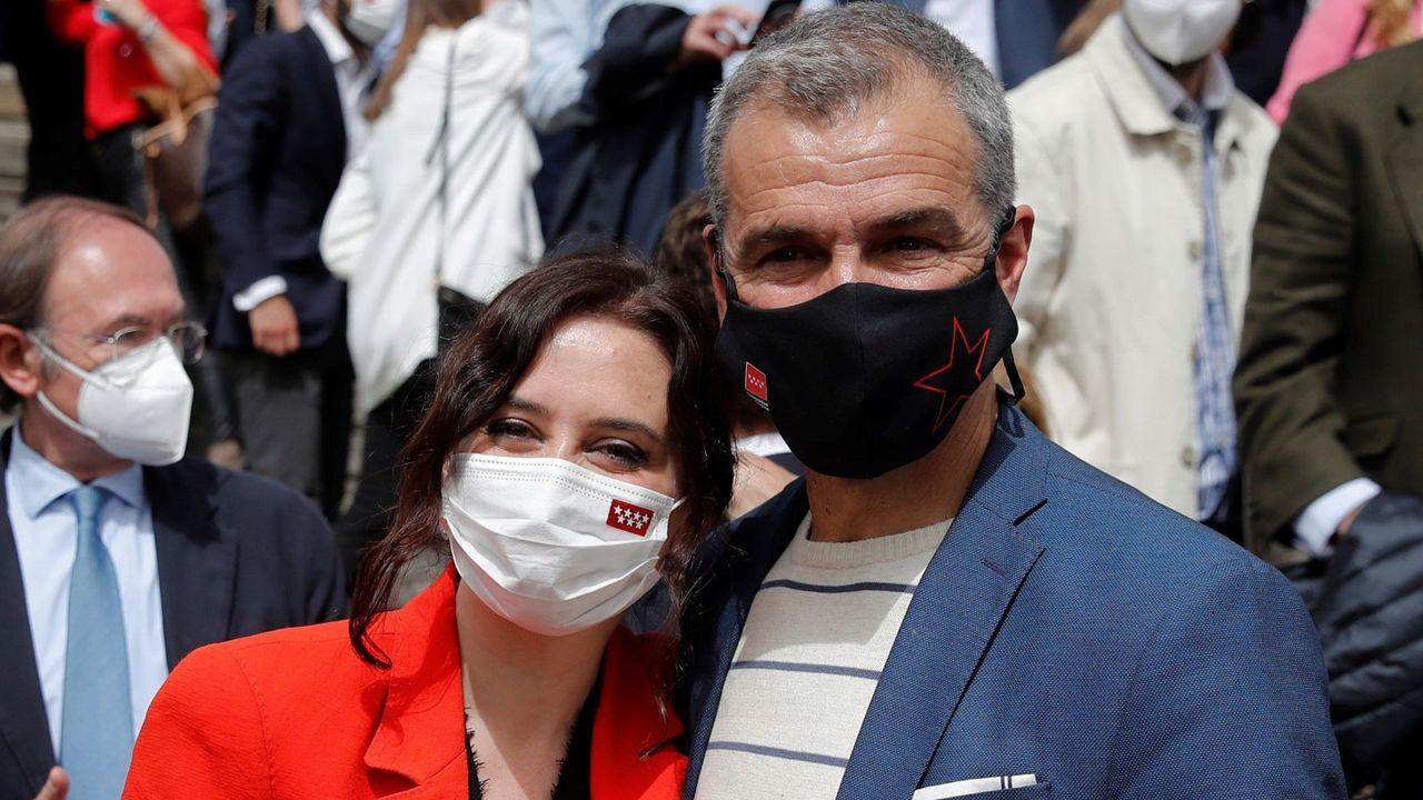 Isabel Díaz Ayuso y Toni Cantó durante la presentación de la candidatura del PP para las elecciones a la Asamblea de Madrid