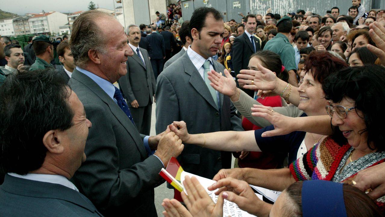 Visita oficial a Muxía en el 2003