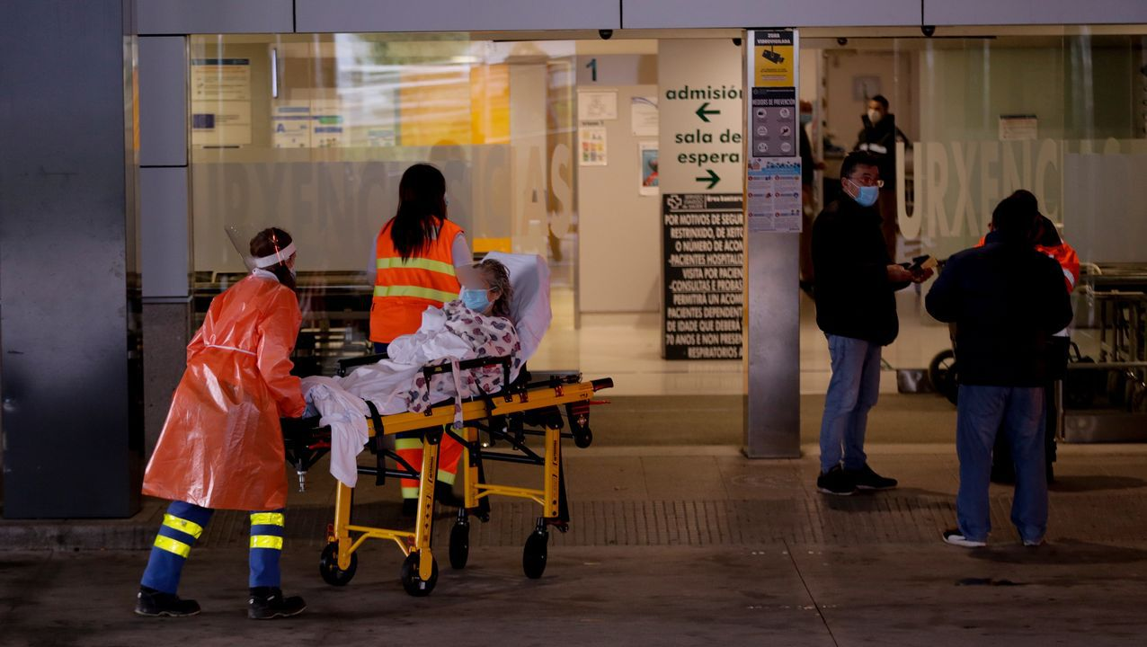 Los trabajadores delhospital gallego más castigado, el Chuac.Urgencias del Chuac