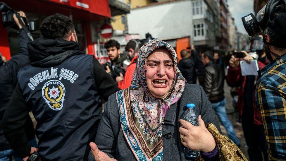 Protestas ante la sede de Zaman