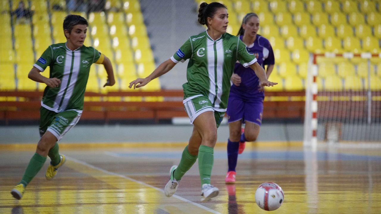 Jorge Basanta entrenador del Viaxes Amarelle de fútbol sala Primera División femenina