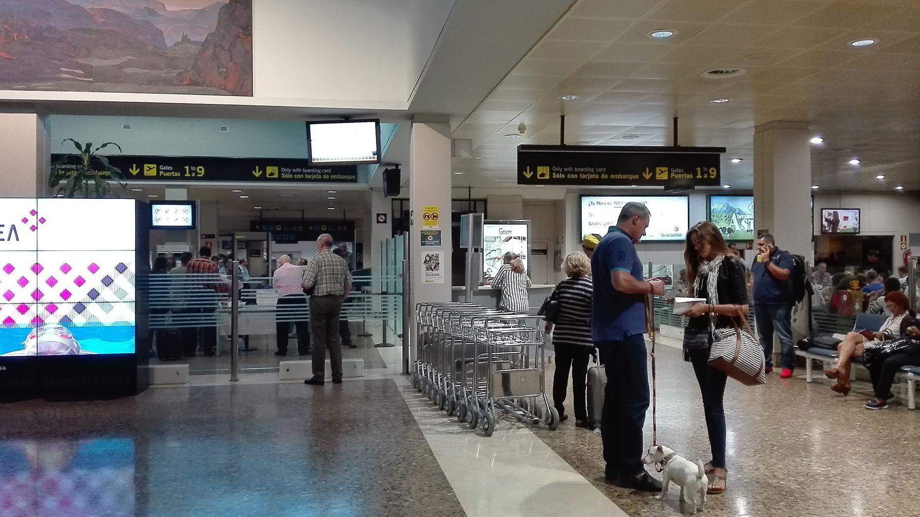 Gijón, desde el aire.Aeropuerto de Asturias