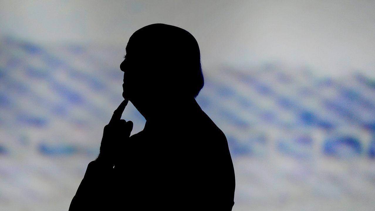 Javier Lambán promete su cargo como presidente de Aragón.Eloy Goméz, el vecino de Bergondo que tras sufrir un accidente cerebrovascular vivió 26 años con el síndrome del cautiverio y que este domingo ha fallecido