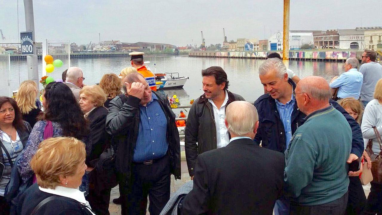 Raúl Sendic (derecha).