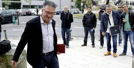 El alcalde de Pedrafita, José Luis Raposo, se mostró satisfecho y aliviado al conocer que el fiscal retiraba las acusaciones.
