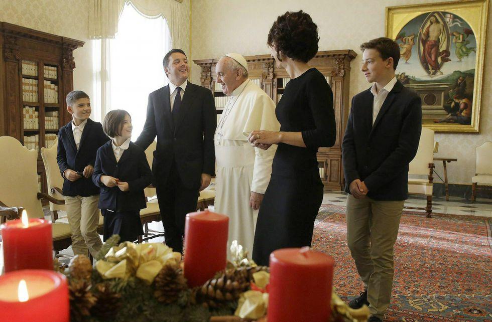Renzi llevó a toda su familia a la recepción en el Vaticano con el papa Francisco.