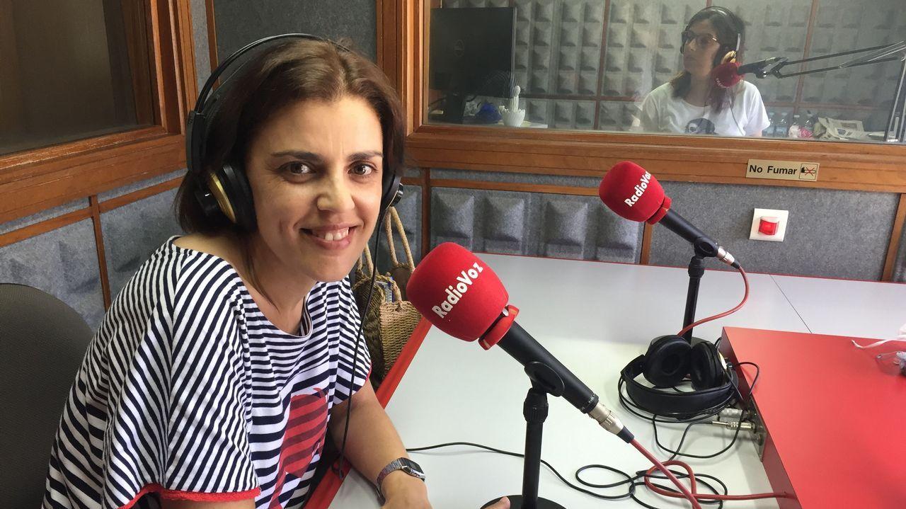 Carmen Suárez, junto a su hijo Lucas