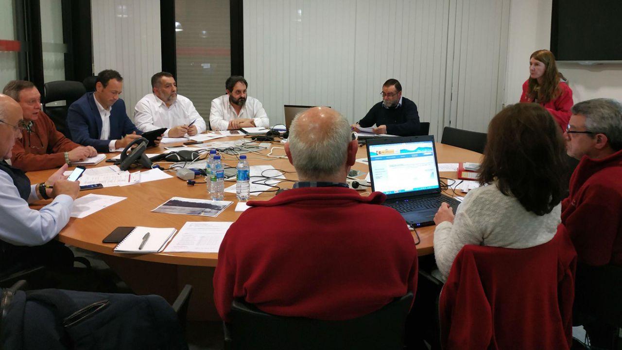 El consejero de Presidencia, Guillermo Martínez, en  la reunión del comité de dirección del Plan de Inundaciones del Principado de Asturias (Planinpa)