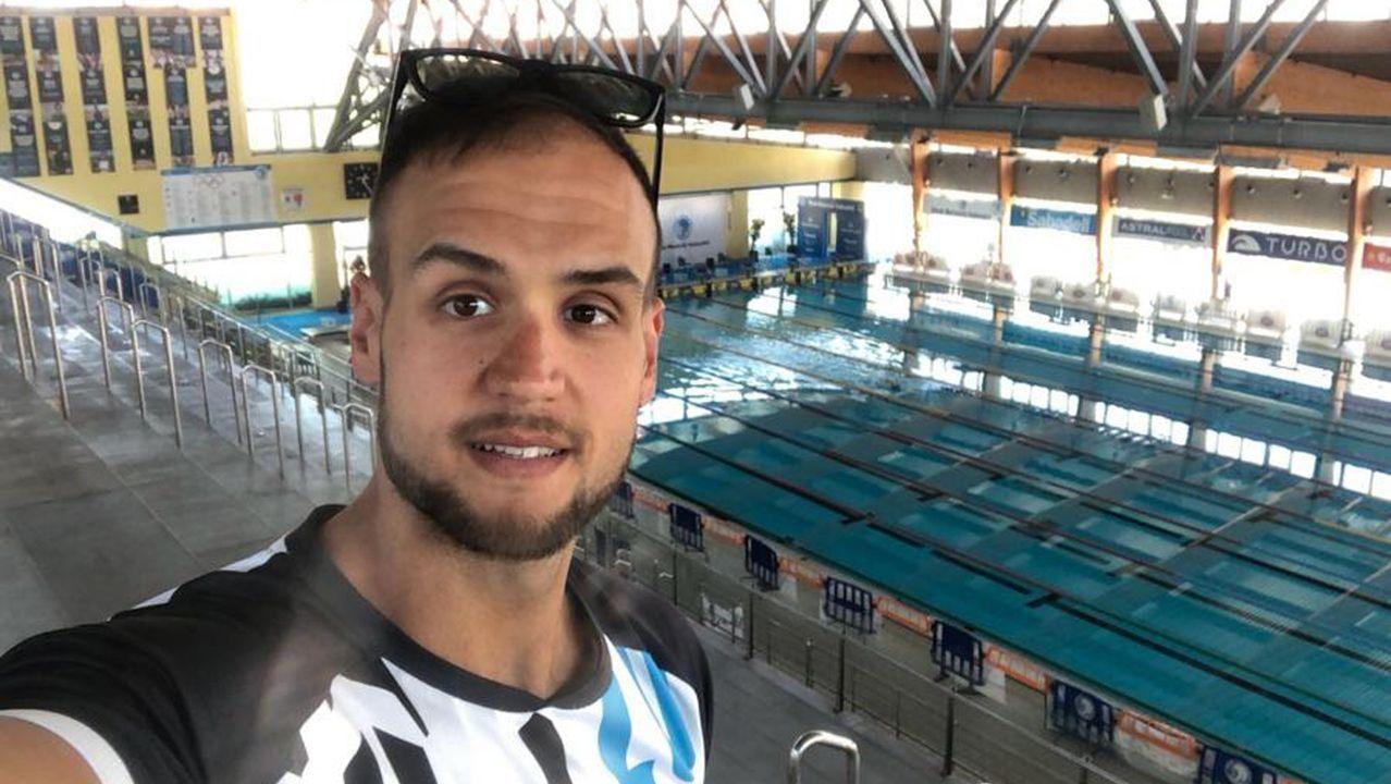 José Busto es monitor de gimnasio y entrenador de natación