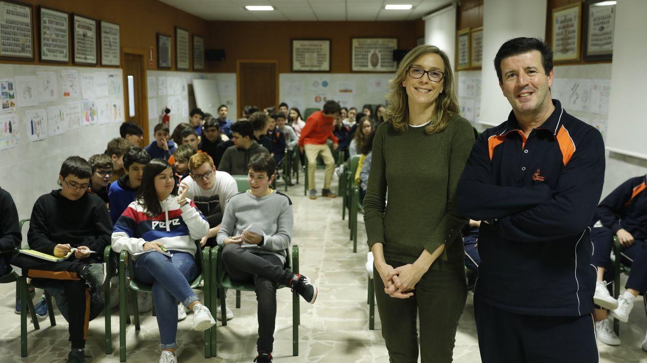 Los nuevos ministros prometen sus cargos ante el rey Felipe VI.La ministra de Sanidad, Carolina Darias
