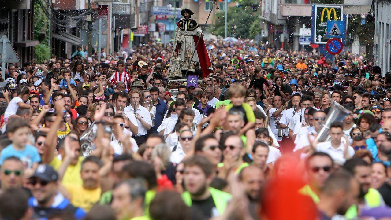 Multitudinaria procesión de San Roque en Vilagarcía, en la fiesta del agua del año pasado