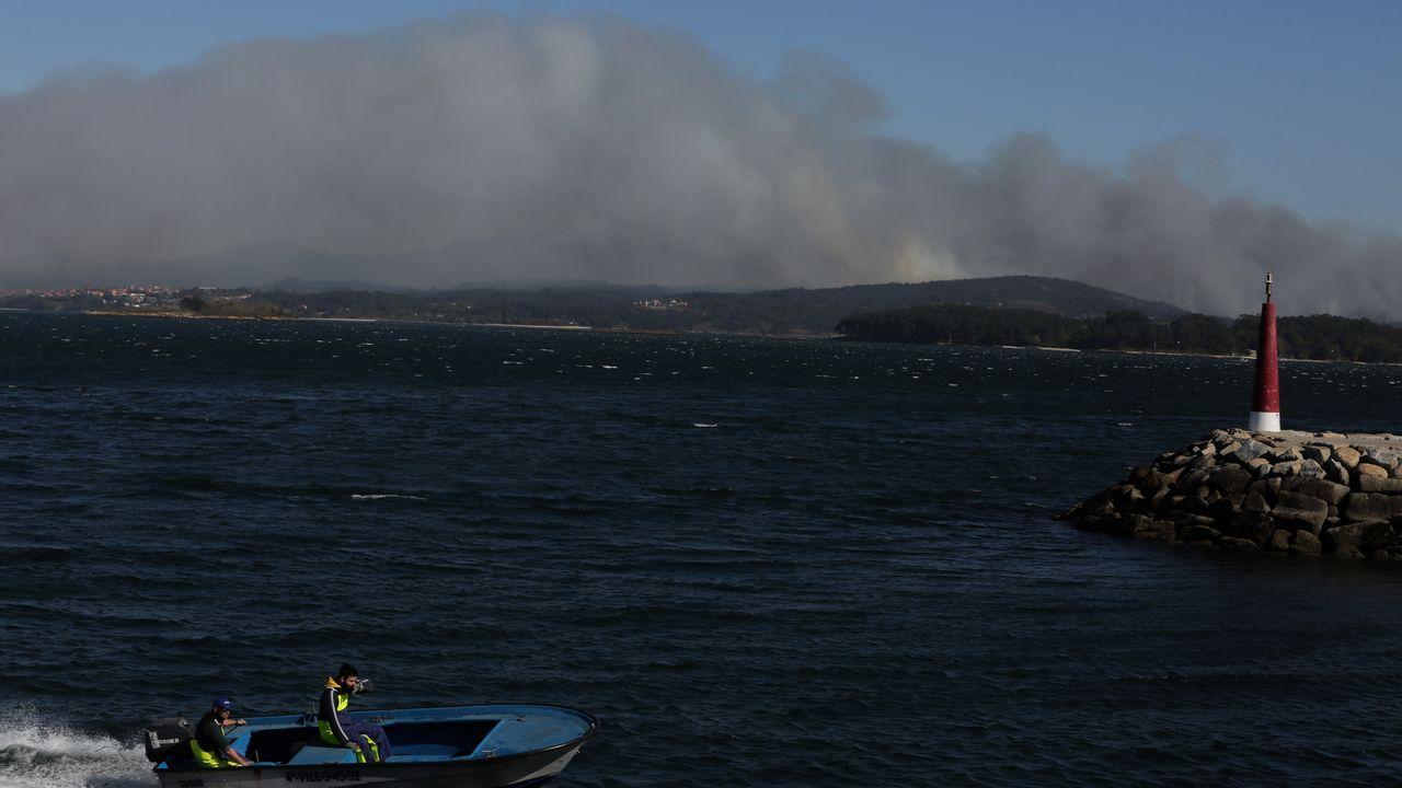 El incendio de As Pontes, en imágenes.Imagen del incendio en Narahío