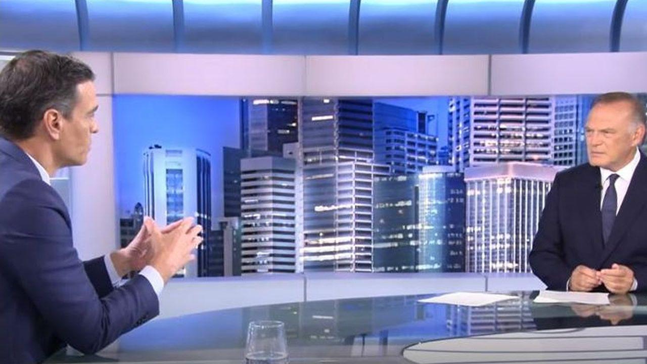 El presidente Pedro Sánchez, entrevistado por Pedro Piqueras en Telecinco con mitvo de los cambios en el Gobierno