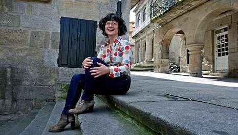 A candidata do PSdeG-PSOE Patricia Vilán, onte na praza do Teucro de Pontevedra, o lugar que elixiu para a foto.