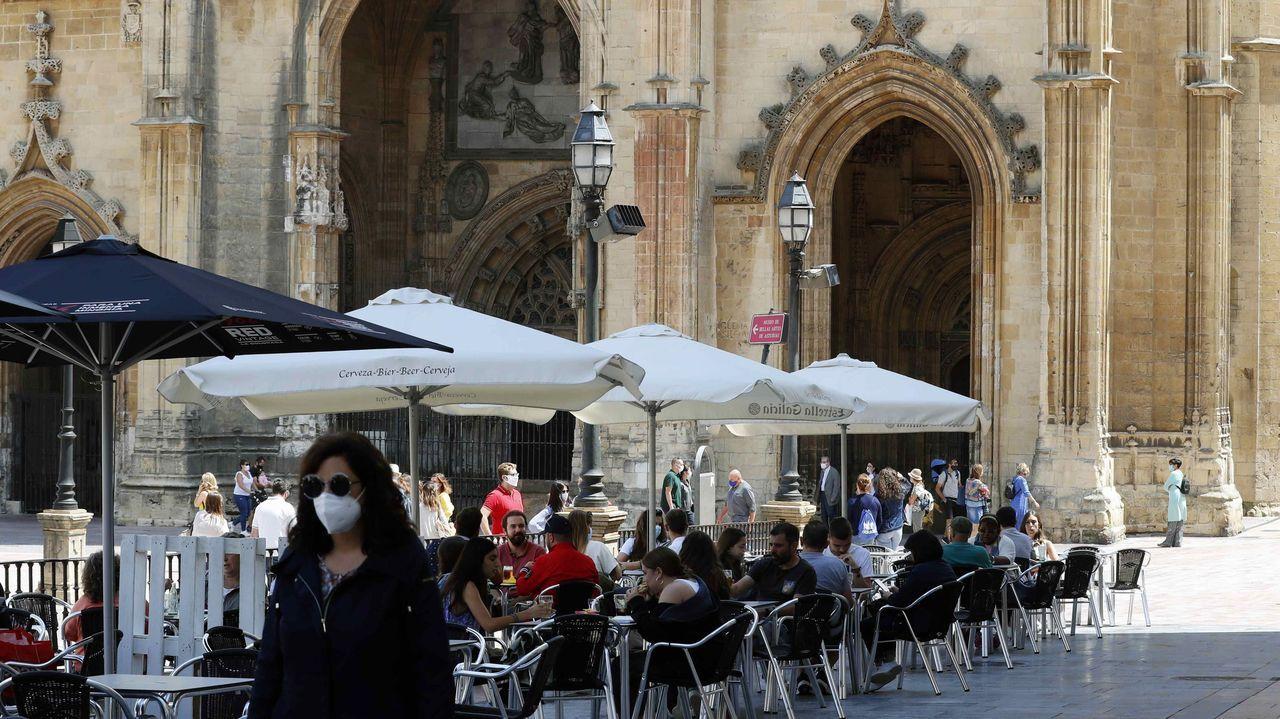 Turistas en el centro de Oviedo
