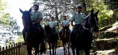 Guardias civiles que patrullarán por el sur de la provincia de Pontevedra hasta el 15 de septiembre.