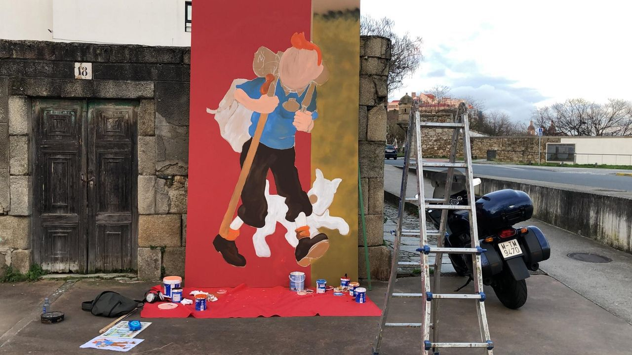 Tintín llega a las paredes de Ferrol Vello.El Muro de San Lorenzo, visto desde Capua, antes y después de la epidemia de coronavirus, en las dos ilustraciones del dibujante gijonés Manuel Iglesias