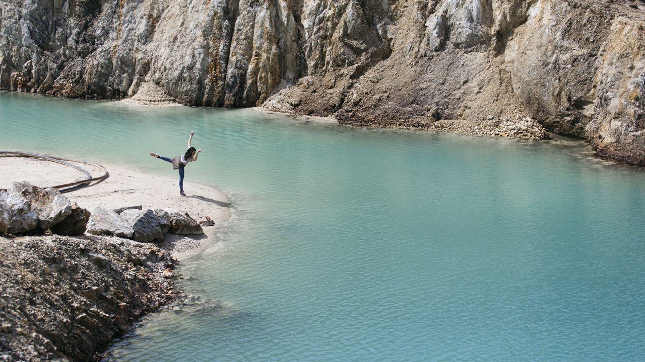 El secreto de las aguas turquesas de Monte Neme