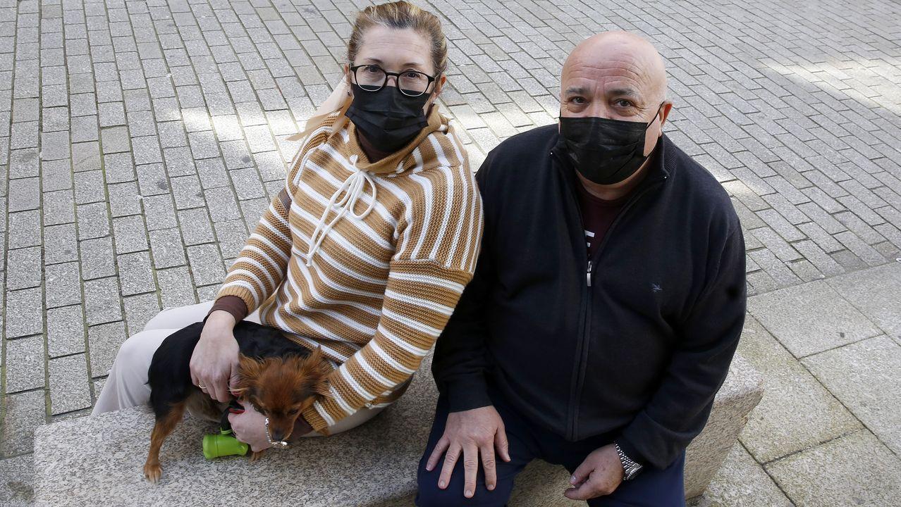 Domingo Caamaño, acompañado de su pareja, María José Romano, logró superar el covid después de pasar 18 días en coma y 14 más hospitalizado
