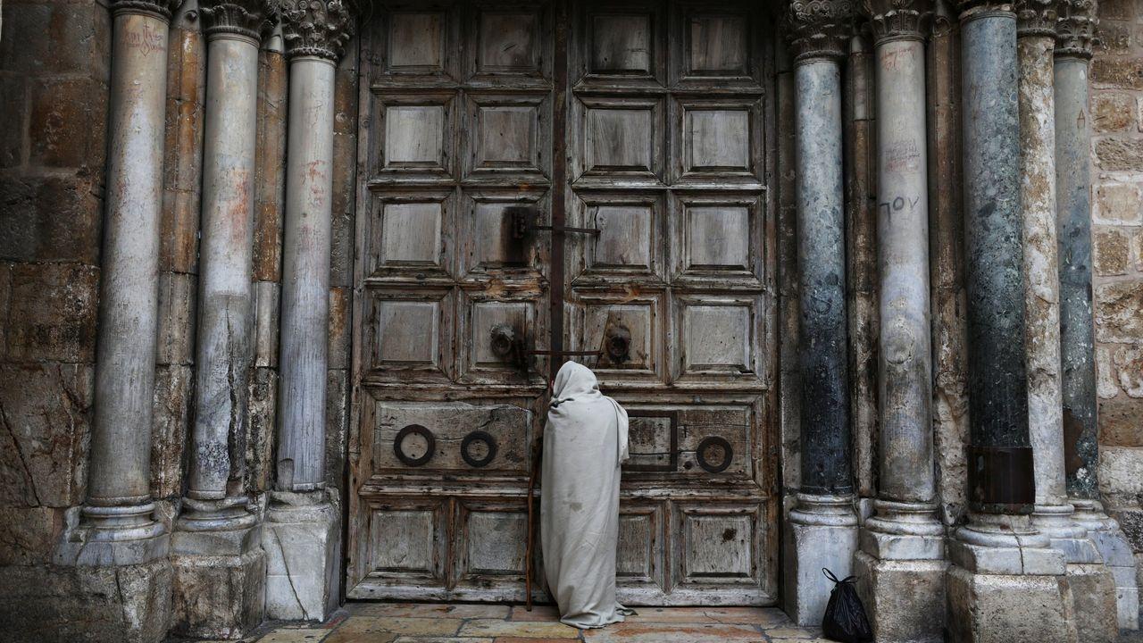 En Jerusalén, la iglesia del Santo Sepulcro vive una Pascua muy diferente
