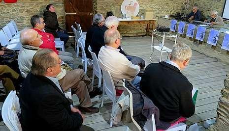 Todas las imágenes de la ruta en torno al pazo de Tor.El Congreso Galego de Cruceiros se celebró el fin de semana en el pazo de Tor, en Monforte.