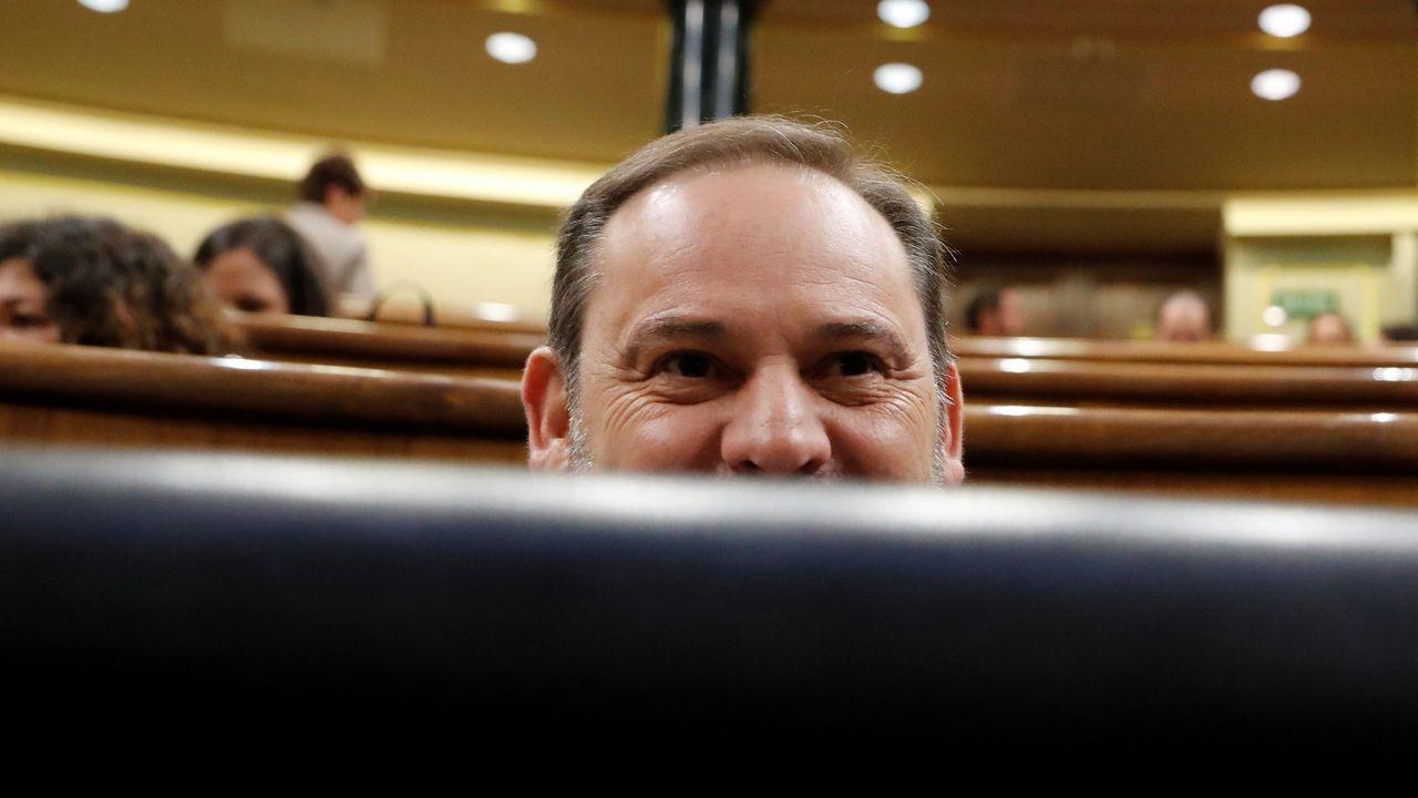España roza los 40.000 casos de coronavirus.El ministro de Transporte y Movilidad, José Luis Ábalos, durante la sesión de control al Gobierno en el Congreso