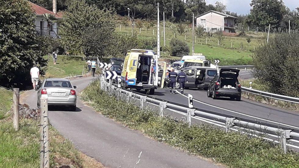 Control de la Policía Nacional en la la avenida Alfonso Molina, una de las principales vías de acceso y salida de A Coruña