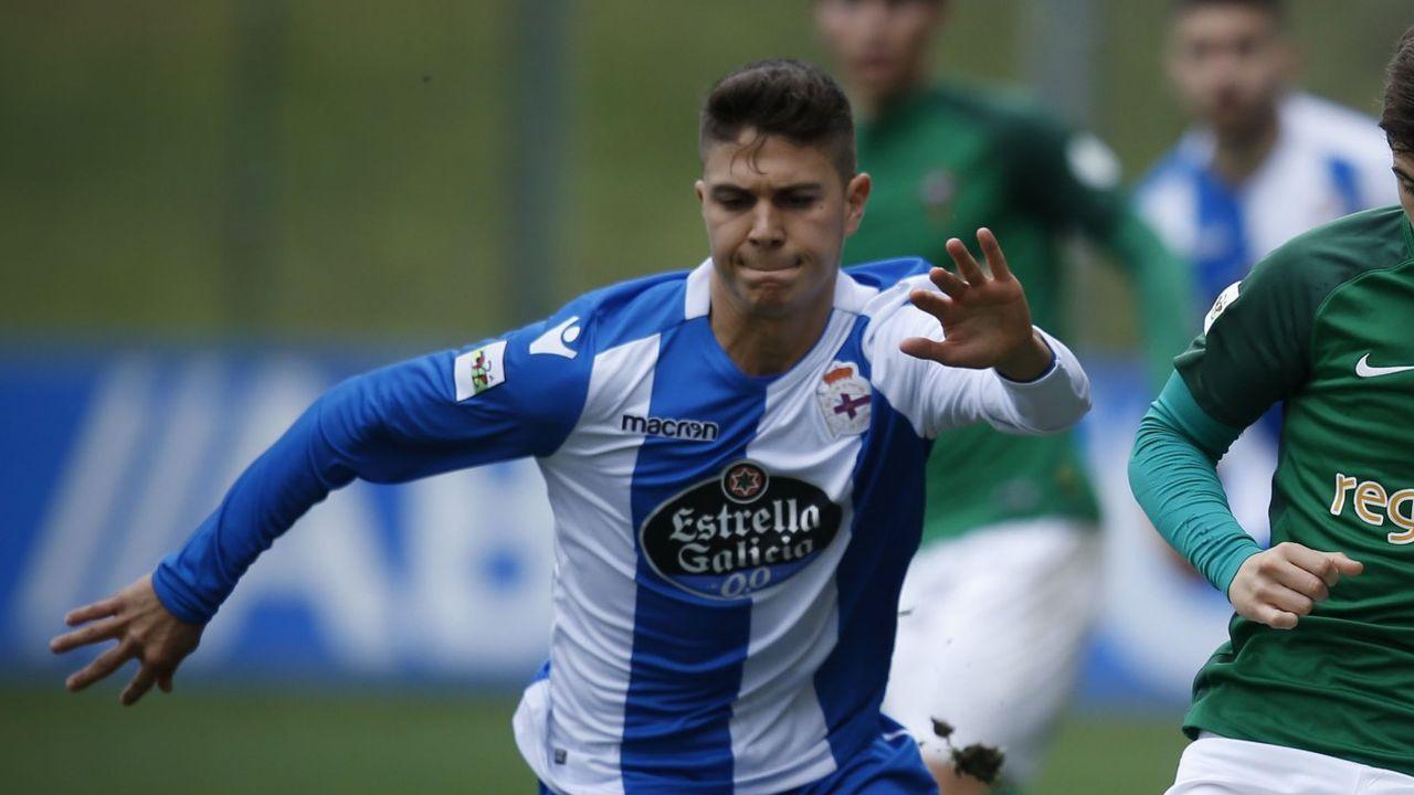 Juergen Elitim completó ayer su primer entrenamiento con el Deportivo