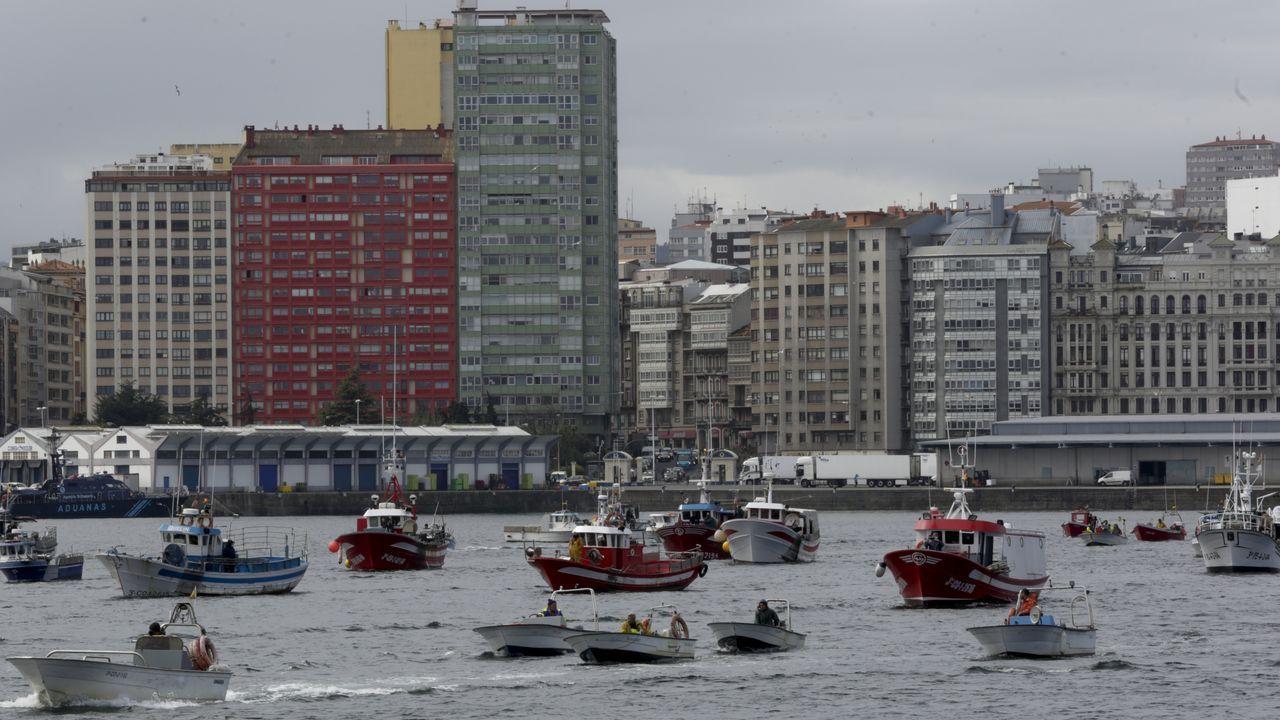 El Sea Cloud Spirit, de estreno.Exentos del curso básico de seguridad quedan tripulantes de barcos de menos de 24 metros, como estos de la bajura que se concentraron el pasado 26 en A Coruña para protestar contra el Reglamento de Control Pesquero de la UE