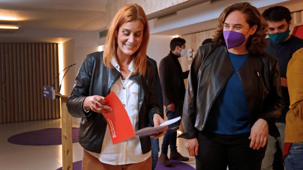 El líder de Vox, Santiago Abascal, y el candidato en Cataluña, Ignacio Garriga, en un acto en Barcelona