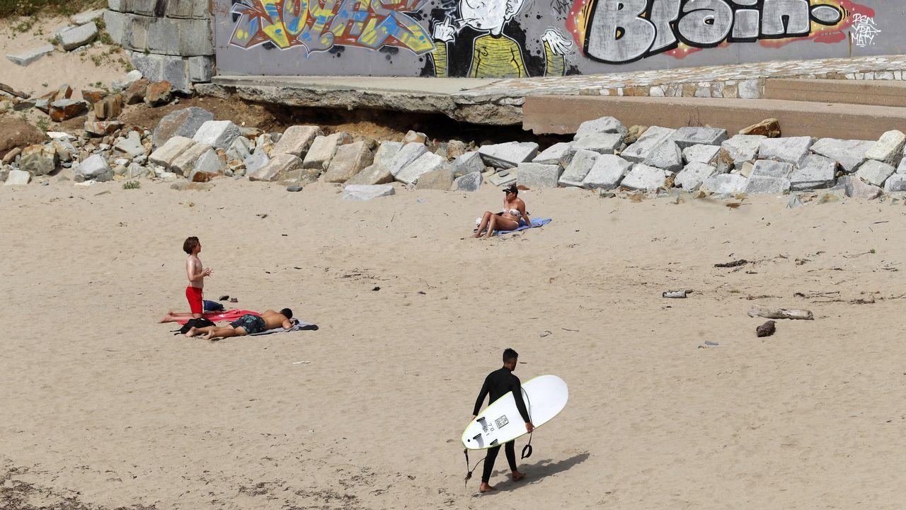 La Policía desarticula una banda itinerante que robaba con soplete y lanza térmica.Vista de la playa asturiana de Anguileiro en Tapia de Casariego.